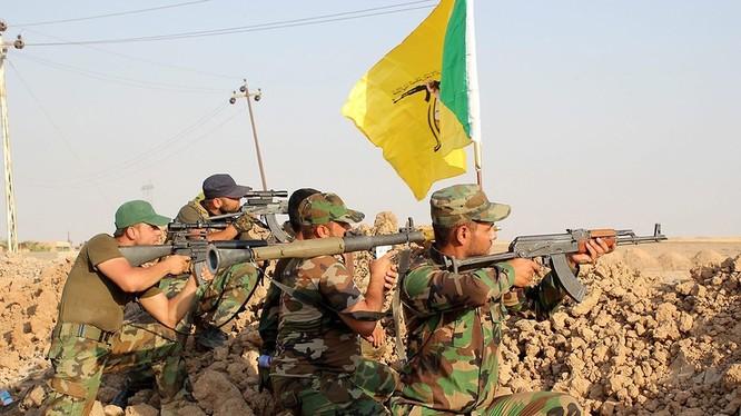Sốc: Hàng trăm xe tăng, thiết giáp được chuyển từ Nga về Iraq