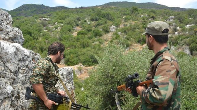 Đóng cửa biên giới Thổ, vệ binh Syria chiếm hai làng một ngày