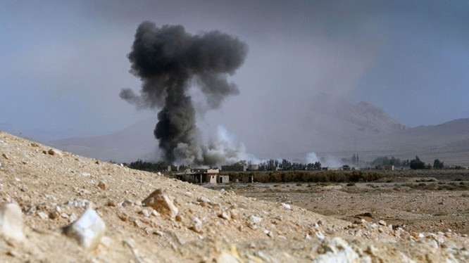 Video: Cận cảnh trận chiến khốc liệt giành thành cổ Palmyra