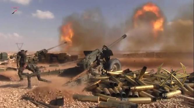 """Lực lượng bảo vệ sân bay Deir Ezzor cắt """"nguồn sống"""" IS"""