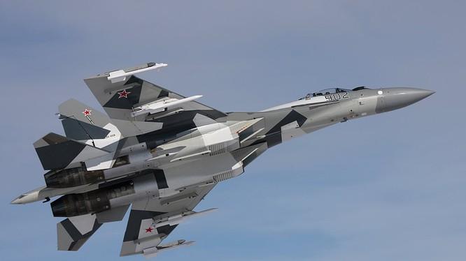 Cận cảnh siêu tiêm kích Su-35S trực chiến tại Syria