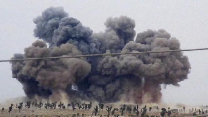 Video: Cận cảnh đòn không kích chính xác như đặt của không quân Nga