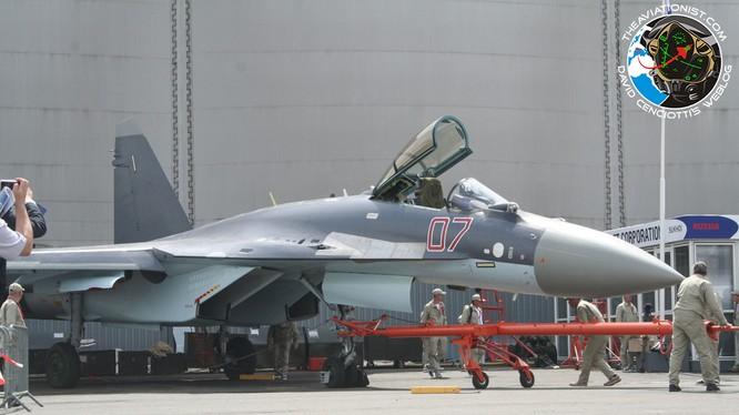 Cận cảnh siêu tiêm kích Su-35S xuất kích tại Syria