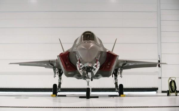 Tướng Mỹ chết ngất vì giá của siêu phẩm công nghệ F-35