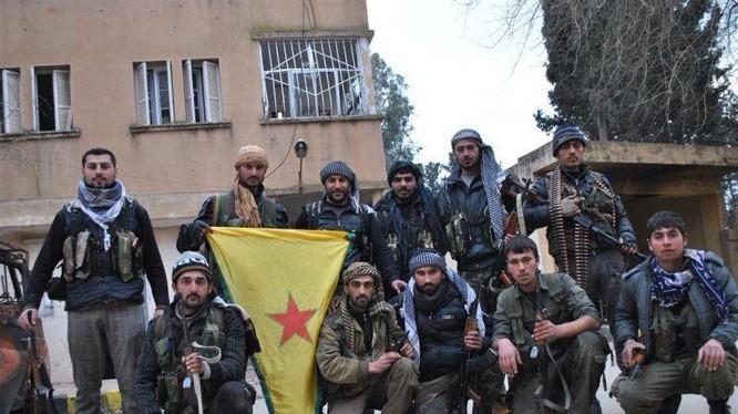 Người Kurd đang dồn phiến quân Hồi giáo vào tử địa