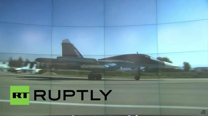 Su-35 mang tên lửa Kh-35 ở Syria