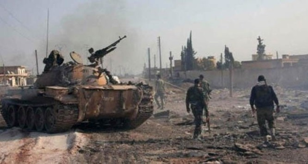 Quân đội Syria sử dụng xe tăng T-90 tấn công về hướng sân bay Tabaqa tỉnh Raqqa