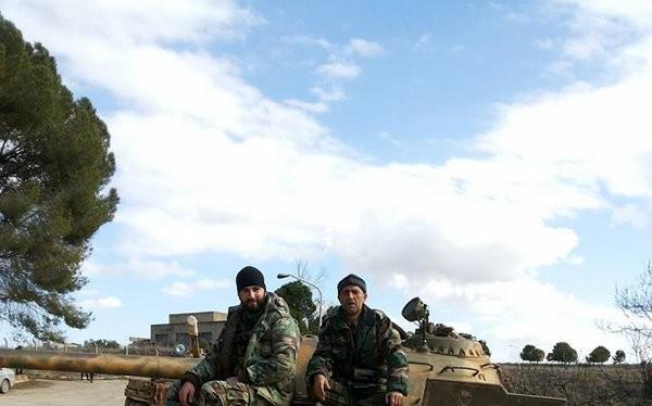 Quân đội Syria tái chiếm đồi Tal Hammam trên đường cao tốc Ithriyah-Khanasser