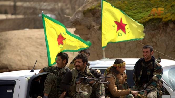 Video: Cận cảnh cuộc chiến chống IS của người Kurd ở Syria