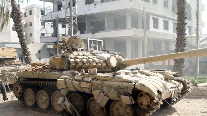 Trúng tên lửa chống tăng, T-72 vẫn nguyên vẹn