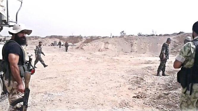 Hai ngày cuộc chiến cổng Nam sân bay Deir Ezzor, IS nộp mạng hàng chục tay súng