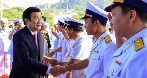 Chủ tịch nước Trương Tấn Sang dự lễ khánh thành cảng quốc tế Cam Ranh. Ảnh: A.X