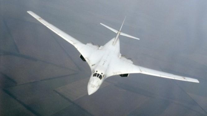 The National Interest: Máy bay ném bom Tu-160M2 trở nên lợi hại hơn