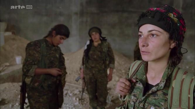 Nữ binh người Kurd trong chiến tranh chống IS