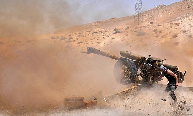 Quân đội Syria mở rộng tấn công ngoại vi thành cổ Palmyra