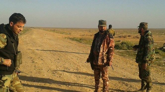 Lực lượng Tigers đánh chiếm cao điểm 800 ở Tây Palmyra