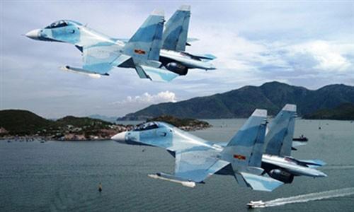 """Việt Nam với """"trận thế"""" không quân hải quân trên Biển Đông"""
