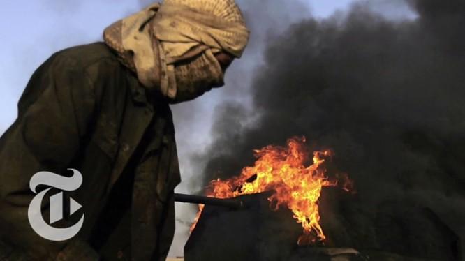 Giá dầu trong Nhà nước Hồi giáo tăng vọt khi IS thất bại