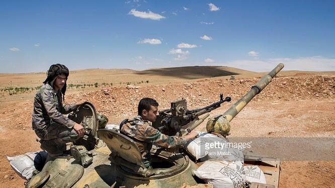 Lực lượng Tigers đánh chiếm Tam giác Palmyra, tấn công đỉnh núi Jabal Al-Tar