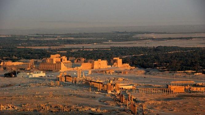 Thành phố không người - nội đô Palmyra, nơi IS đang kiểm soát