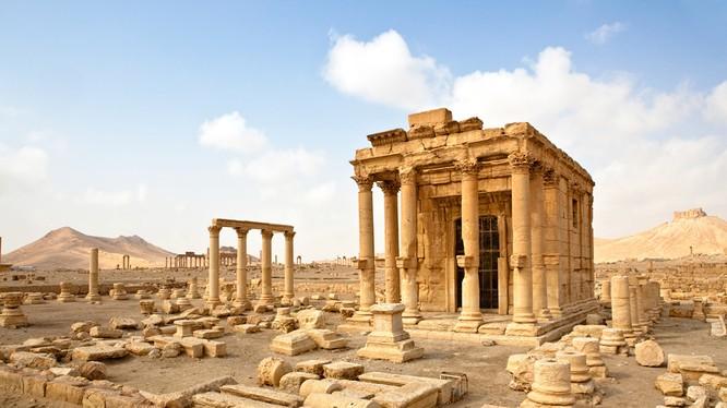 IS gài hơm 3000 quả mìn và vũ khí nổ để phá hủy thành phố Palmyra