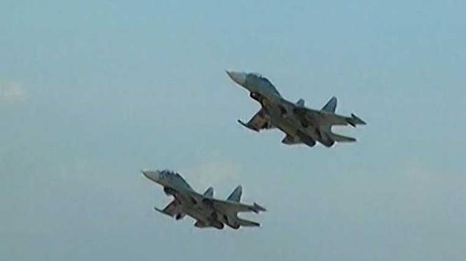 Video: Su-27 Việt Nam xung trận diệt địch trên Biển Đông