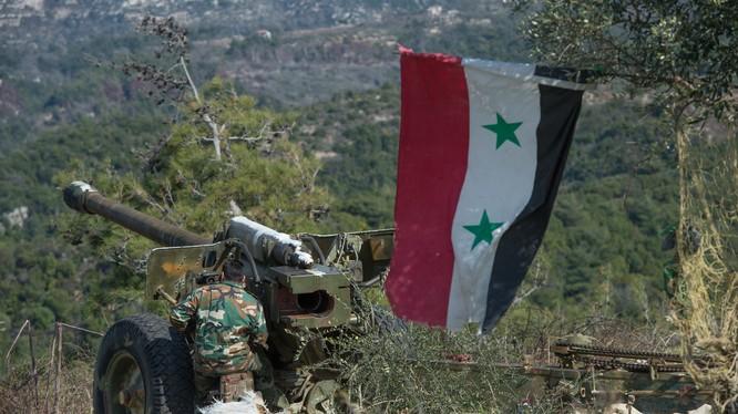 Latakia, Quân đội Syria dùng pháo binh và không quân san phẳng mục tiêu