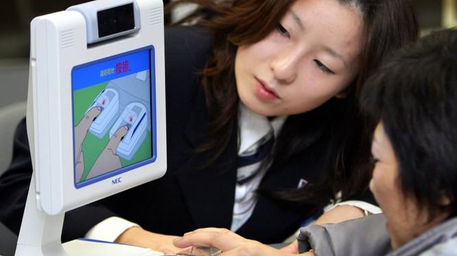 Du khách đến Nhật Bản không cần mang theo tiền