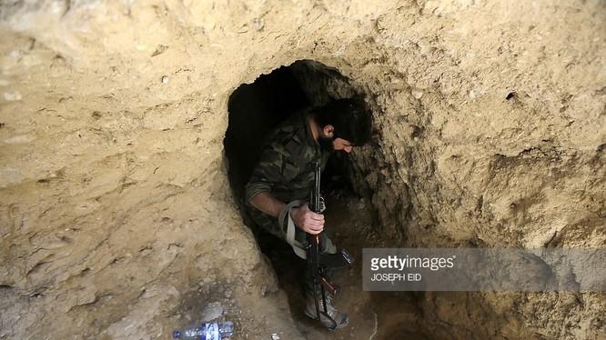Video cuộc chiến đường hầm ở Syria