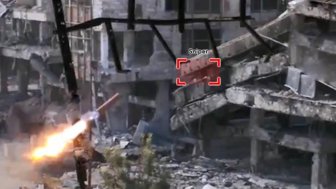 Video: Binh sĩ Syria dùng tên lửa tự chế diệt lính bắn tỉa