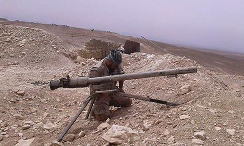 Lực lượng Diều hâu Sa mạc tái chiếm lại căn cứ ngoại vi sân bay T4