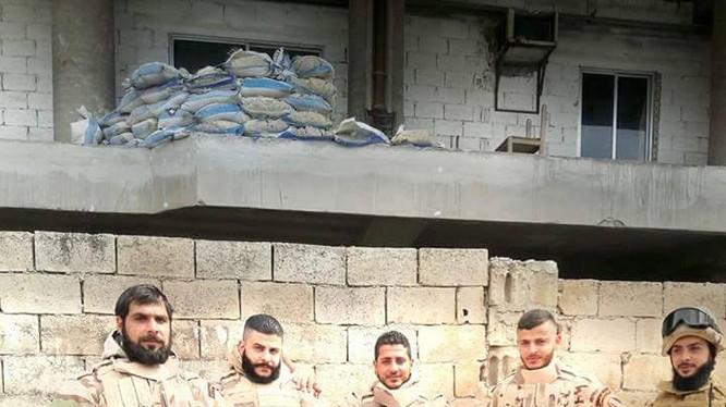 Quân đội Syria, Hải quân đánh bộ Nga cắt đường tiếp tế Raqqa-Homs của IS