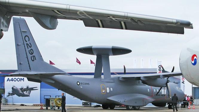 """Không quân Việt Nam tậu """"chim mẹ"""" chỉ huy dàn chiến đấu cơ hiện đại"""