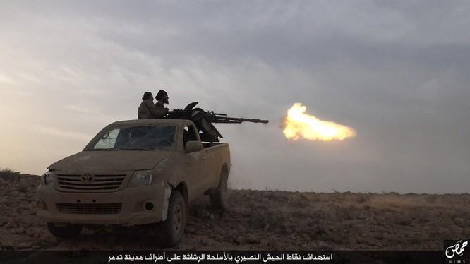Quân đội Syria mất dần ưu thế chiến trường, SDF tấn công IS