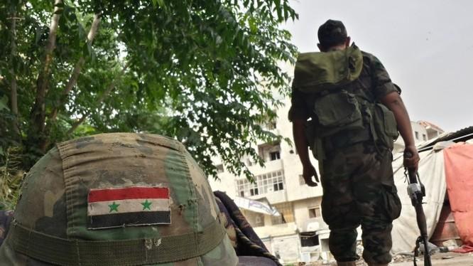 Video: Quân đội Syria tấn công làng Ayn Isa bất thành