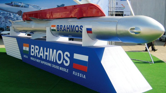 Nga - Ấn chuẩn bị xuất khẩu tên lửa BrahMos cho Việt Nam