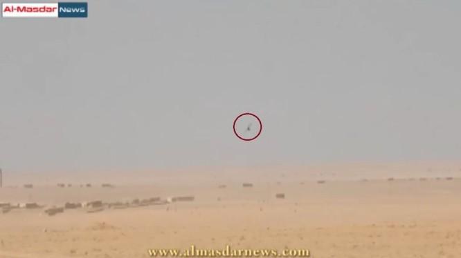 Video: Binh sĩ Syria bắn rơi một drone do thám của IS