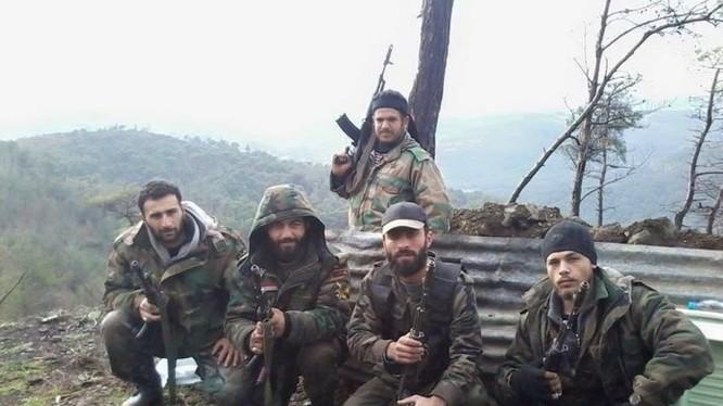 Các binh sĩ lực lượng NDF ở Latakia