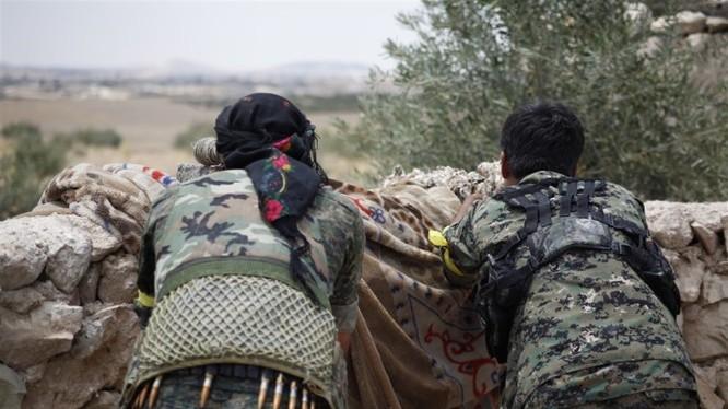 Lực lượng SDF chiến đấu chống IS trên miền Đông Bắc Aleppo
