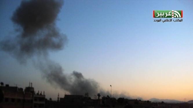 Hình ảnh vụ tấn công lực lượng Hồi giáo cực đoan bằng bom đường hầm ở Đông Ghouta, Damascus
