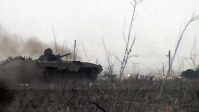 Xe tăng, thiết giáp quân đội Syria chiến đấu ở Đông Ghouta