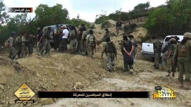 Những tay súng chiến binh đảng Hồi giáo Turkmen