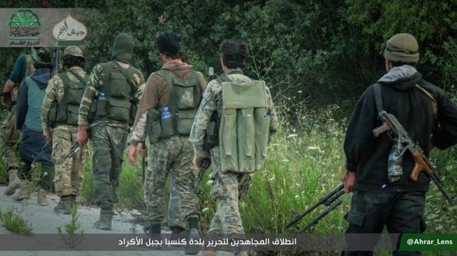 Lực lượng Jabhat Al-Nusra (Al-Qaeda Syria) ở Latakia