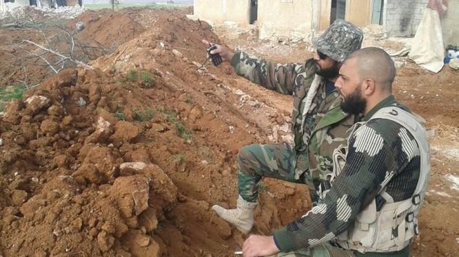 Các chỉ huy lực lượng Tigers trên chiến trường Aleppo