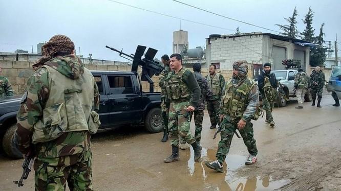 Binh sĩ Syria chiến đấu trên địa bàn tỉnh Homs