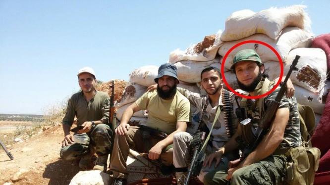 Chỉ huy chiến trường cao cấp Hazem Shardoub của Al-Sham bị tiêu diệt ở Latakia