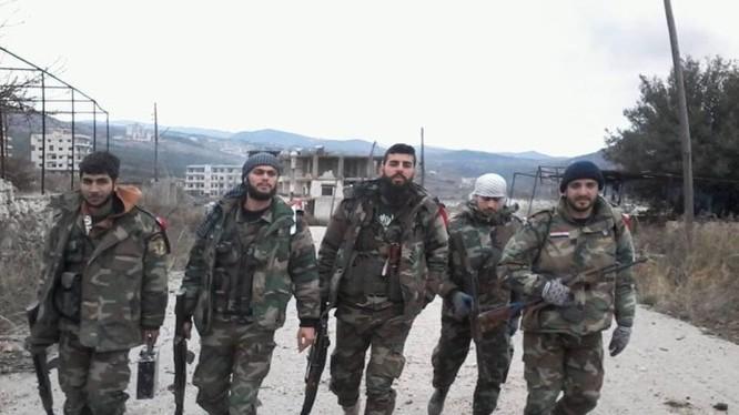 các binh sĩ quân đội Syria ở Latakia