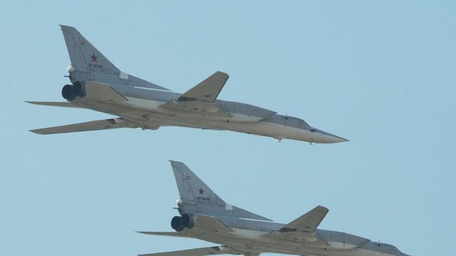 Máy bay ném bom chiến lược tầm xa Tu-22M3 Nga