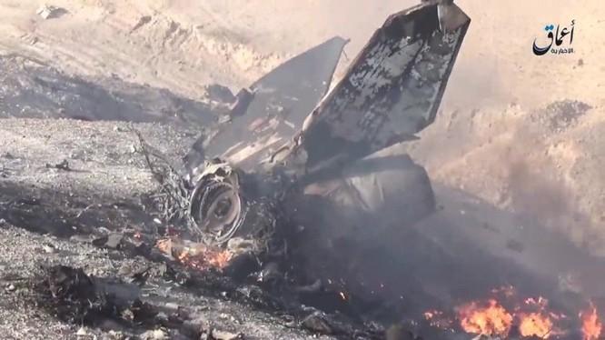Chiếc MiG - 23 không quân Syria rơi cháy nát thành mảnh vụn