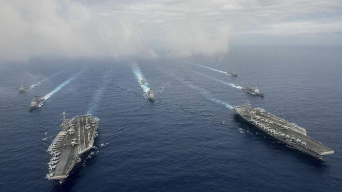 Hai cụm tàu sân bay tấn công chủ lực Mỹ trên Biển Đông